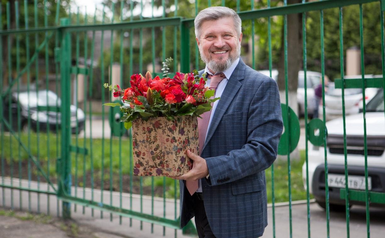 Александр Балберов поздравил выпускников тульской школы