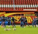 Футболисты «Арсенала» опробовали газон стадиона в Воронеже