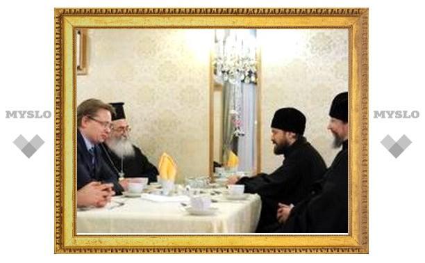 Митрополит Иларион встретился с архиепископом Синайским Дамианом