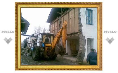 Под Тулой обрушилась стена жилого дома