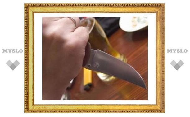 Тулячка получила ножом в грудь от подруги