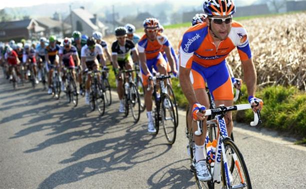 Тульские велосипедисты-шоссейники пронеслись по голландским дорогам