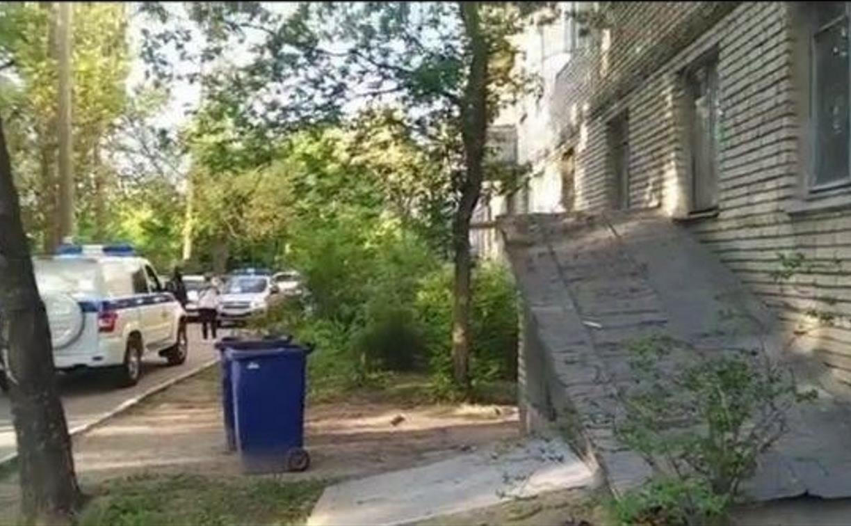 В Туле 88-летний пенсионер выпал с балкона