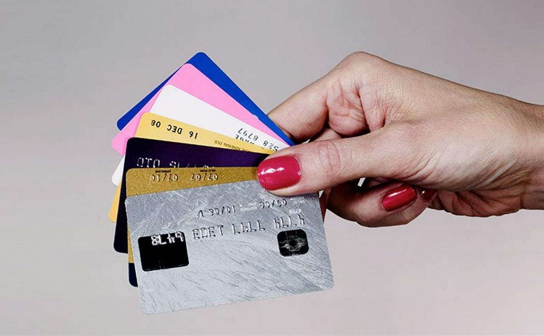 Туляки активно расплачиваются банковскими картами и реже снимают наличку