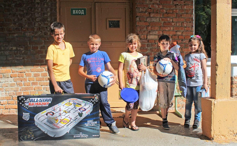В Тульской области ученикам Оленьковской школы подарили спортивный инвентарь и настольные игры