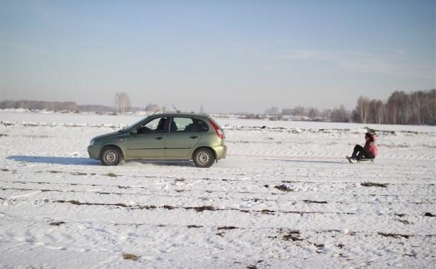 В Заокском районе подросток едва не погиб, катаясь по снегу за машиной