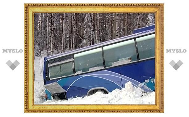 Под Тулой перевернулся автобус с 6 пассажирами