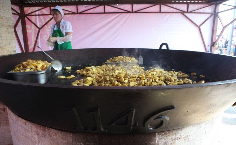 Туляки выстроились в огромную очередь за жареной картошкой