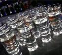 Россияне стали покупать меньше водки и пить больше пива