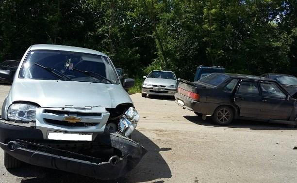 В Тульской области столкнулись «Шевроле Нива» и ВАЗ-21154