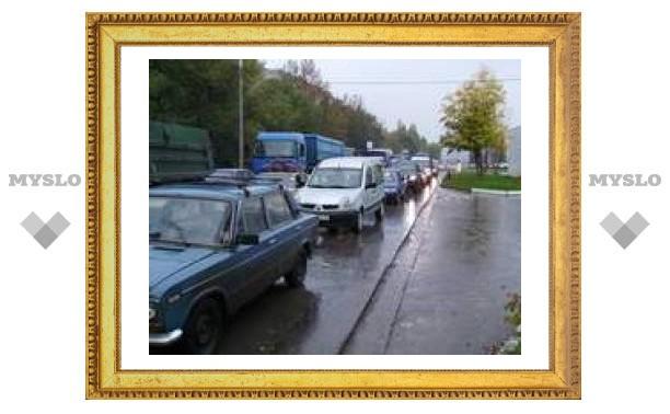 Калужское шоссе в Туле встало в пробке