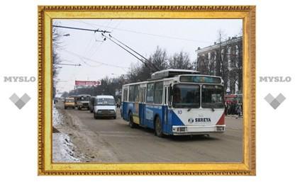 В Туле столкнулись автобус и троллейбус