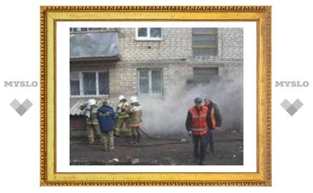 Десять расчетов тушили горящий в Туле дом