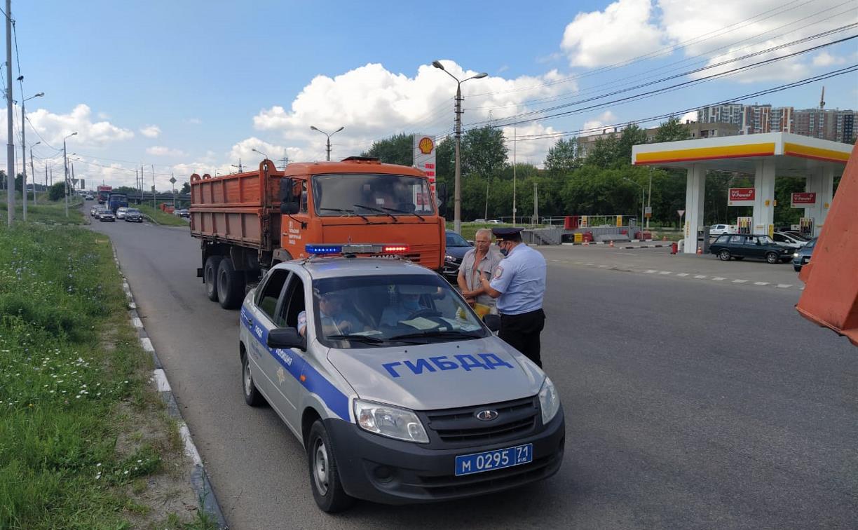 Тульские госавтоинспекторы массово проверяют грузовики