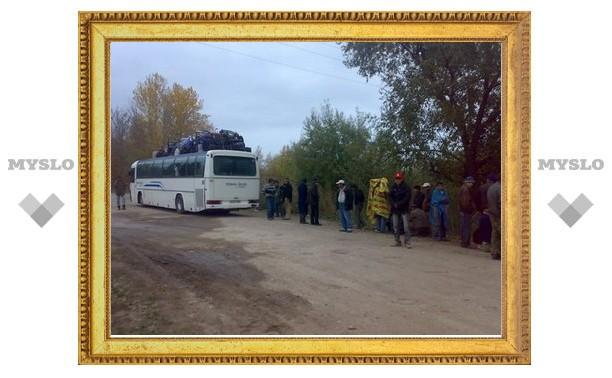 На водителя автобуса с нелегалами составили 82 протокола