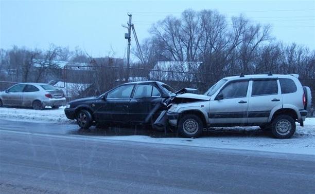 В аварии на автодороге Тула-Алешня пострадали два пассажира