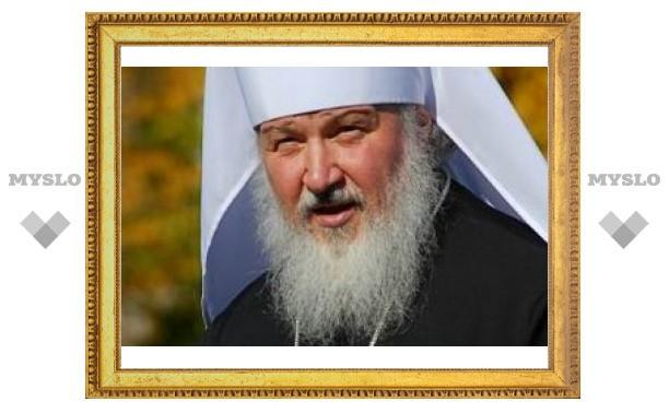 40 тысяч верующих встретили патриарха Кирилла в Почаевской лавре