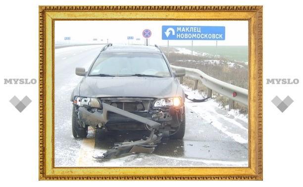 Женщину в Новомосковске сбил автомобиль директора Ледового дворца