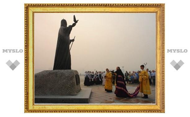 В Йошкар-Оле открыт памятник Патриарху Алексию II
