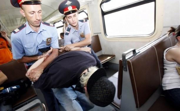 В Заокском районе житель Серпухова обокрал полуслепого пассажира электрички