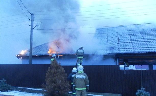 В Ефремове сгорел гараж