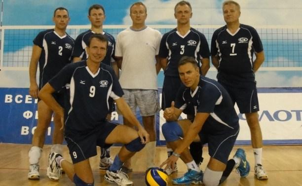 Ветераны волейбола приняли участие в чемпионате страны