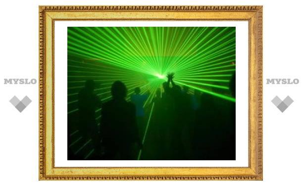 На лазерные шоу потребуется разрешение ведомства