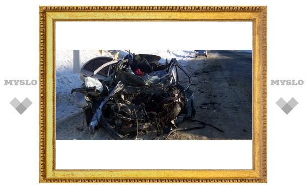 Под Тулой «МАЗ» расплющил «Ниссан»: водитель легковушки погиб на месте