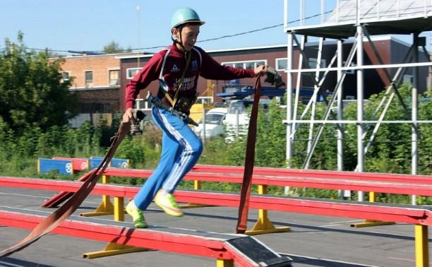 В Туле прошел третий этап соревнований по пожарно-прикладному спорту
