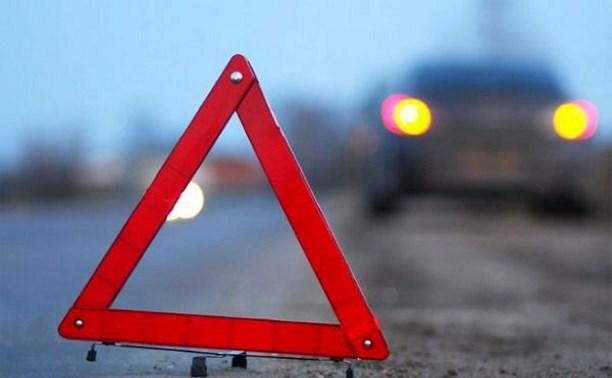 В результате ДТП с участием пассажирского микроавтобуса погиб один человек, трое пострадали