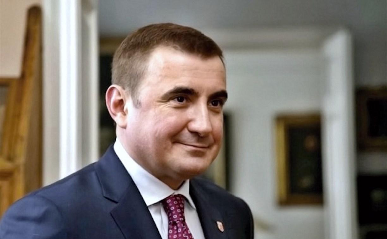Алексей Дюмин поздравил работников нефтегазовой промышленности
