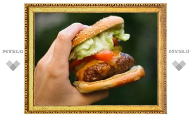 Чувство голода возникает из-за жирной пищи