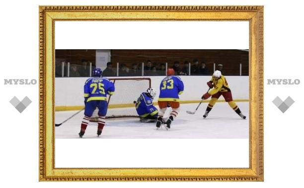 Тульские хоккеисты разгромили «Петровку»