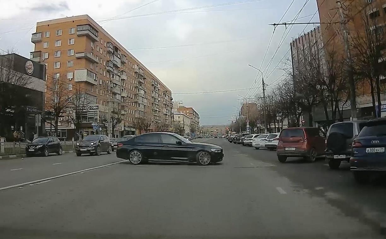 «Накажи автохама»: резкий, дерзкий «бумер» на Красноармейском