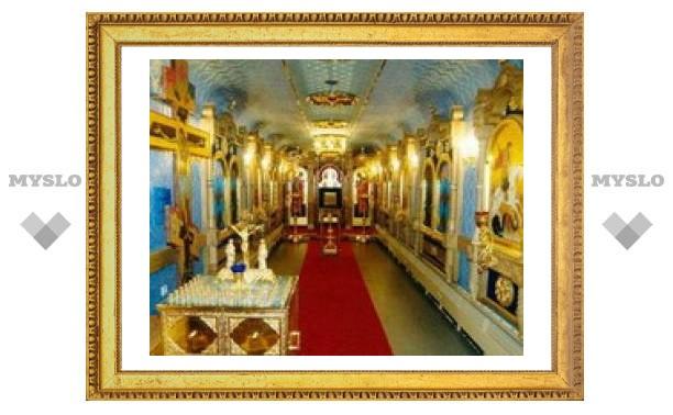 Для Российской армии изготовлен храм на колесах