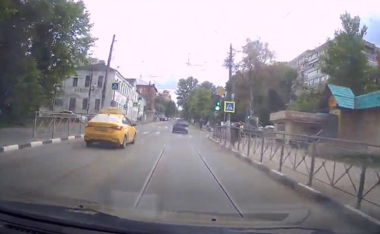 «Накажи автохама»: на такси с ветерком по встречной