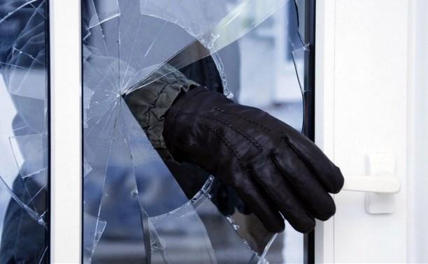 В Заокском районе парень ограбил пенсионерку