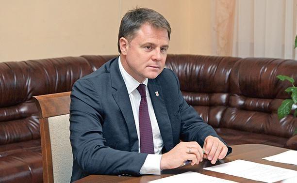 Владимир Груздев принял участие в первом заседании облдумы