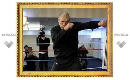 Участники боев без правил не испугали Валуева