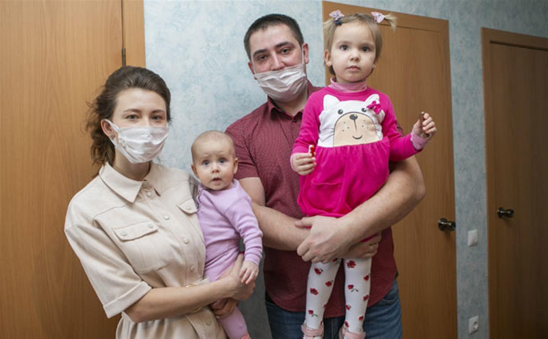По инициативе губернатора Алексея Дюмина в Новомосковске семьи медиков получают благоустроенные квартиры