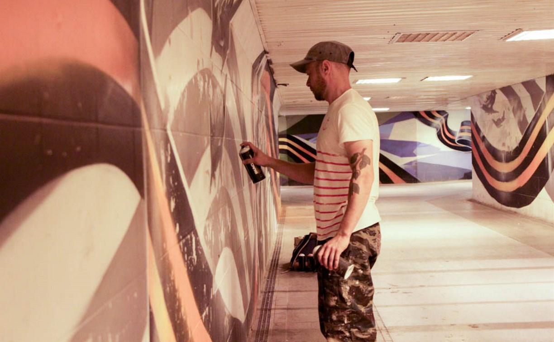 В подземных переходах Тулы восстанавливают исторические граффити