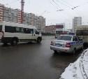 В центре Тулы маршрутка сбила женщину с пятилетней девочкой