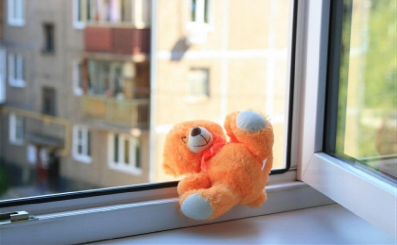 В Туле на Косой Горе из окна выпал трехлетний ребенок