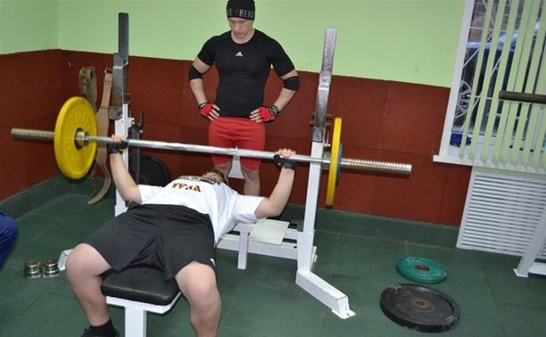 Туляки показали свою силу в турнире по русскому жиму