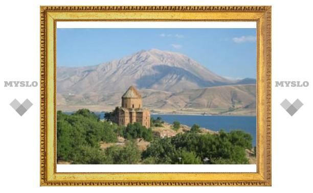 Турция обязалась вернуть отобранное у церквей имущество