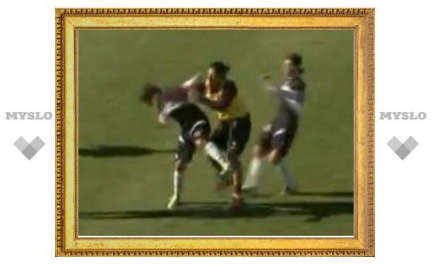Победитель ЧМ-2006 по футболу ударил соперника в лицо