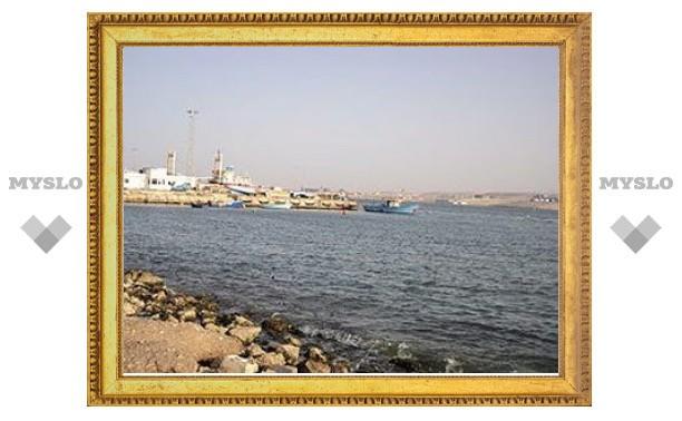Катар помог ливийским повстанцам с продажей нефти