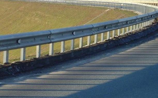 На трассе М4 сбили водителя, который менял колесо своей машины
