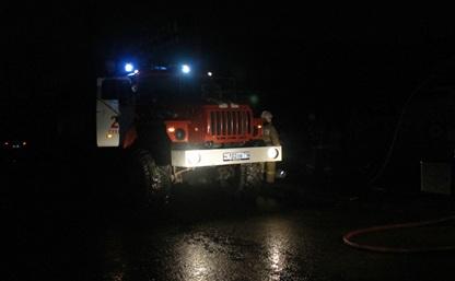 В Петелино пожарные спасли трех человек из горящего дома