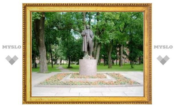В пригороде Санкт-Петербурга взорван памятник Ленину